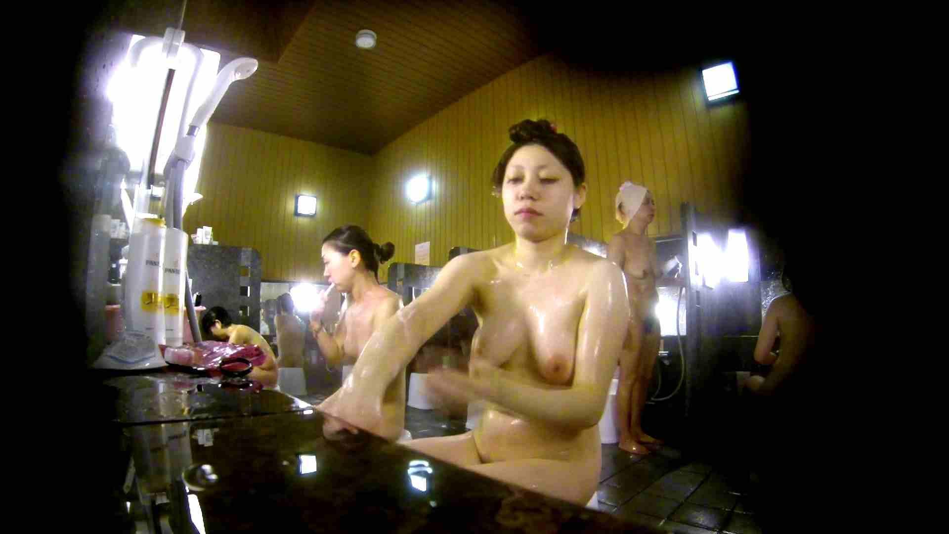 ヤリマンのオマンコ:洗い場!柔らかそうな身体は良いけど、歯磨きが下品です。:怪盗ジョーカー