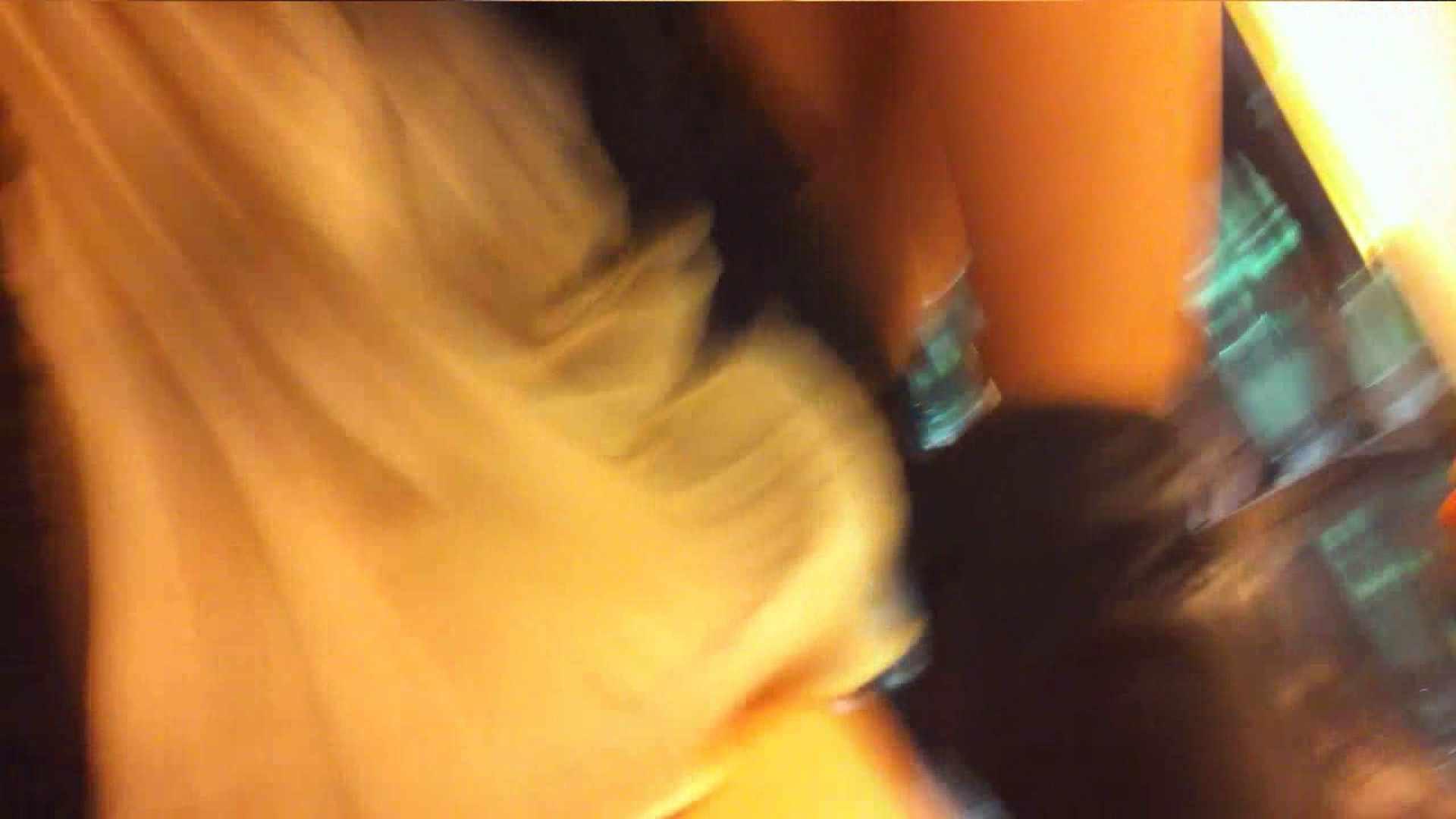 ヤリマンのオマンコ:vol.35 美人アパレル胸チラ&パンチラ ひらひらスカートの中身は?:のぞき本舗 中村屋