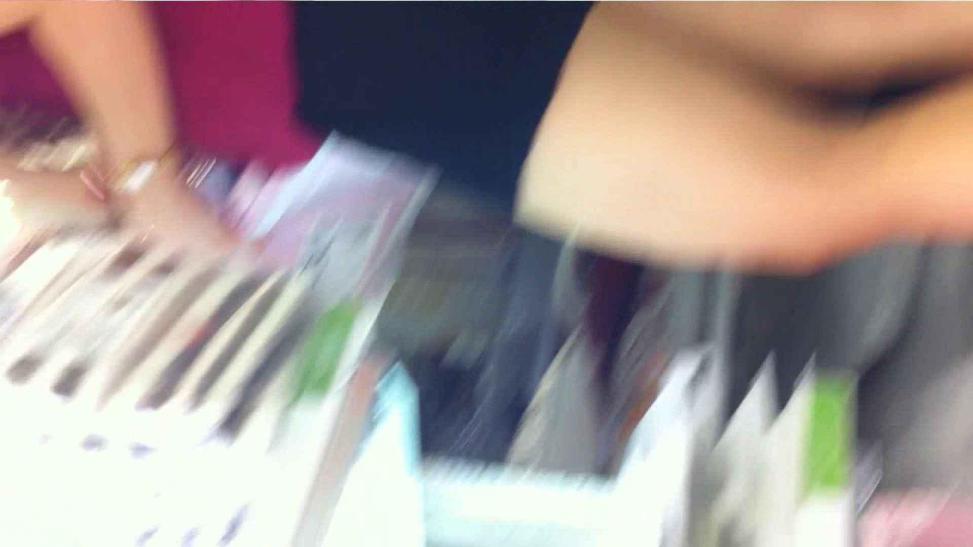 ヤリマンのオマンコ:vol.37 美人アパレル胸チラ&パンチラ 店員さん!谷間注意報発令中です!:のぞき本舗 中村屋