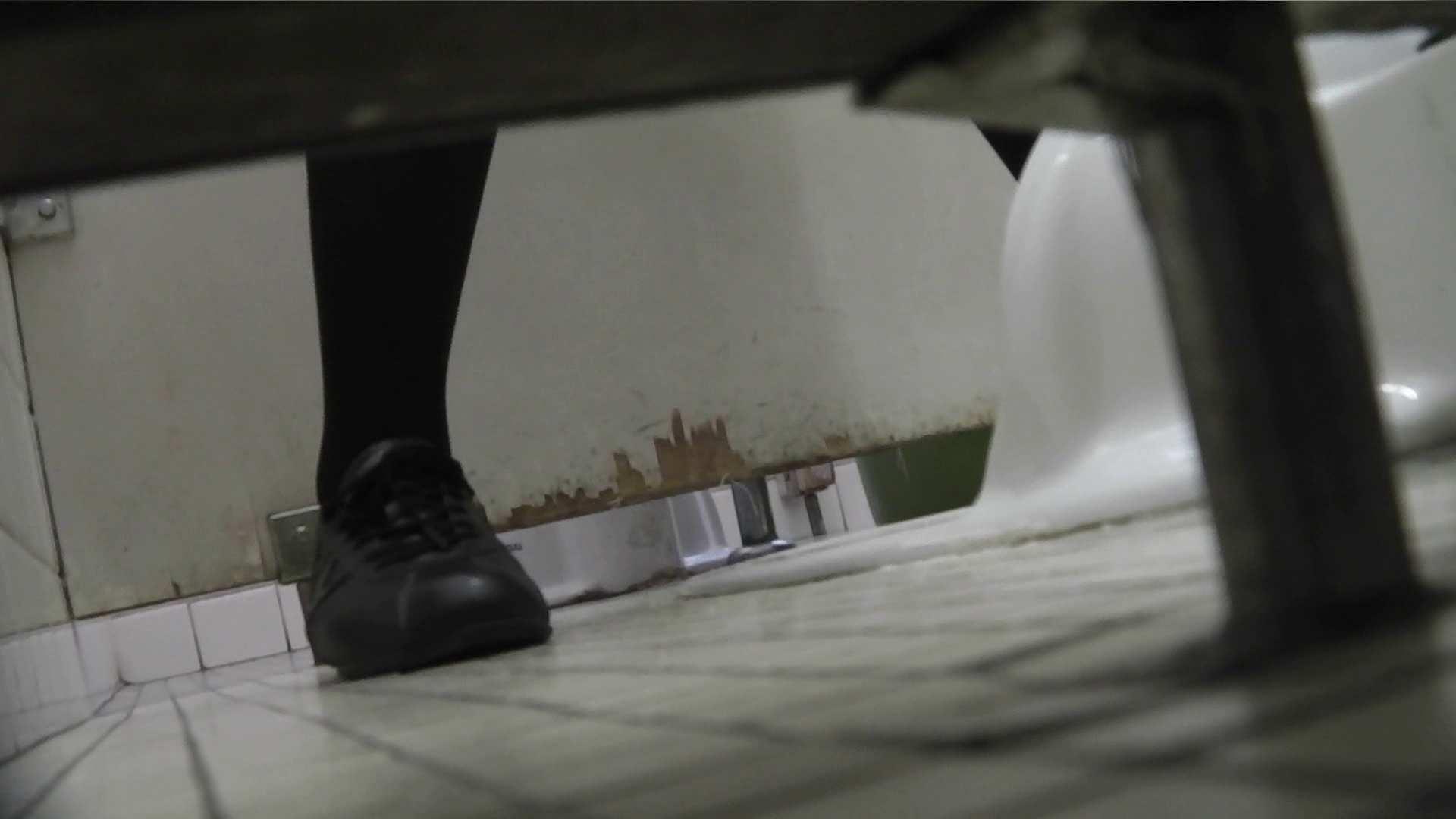 ヤリマンのオマンコ:vol.06 命がけ潜伏洗面所! 茶髪タン、ハァハァ 前編:のぞき本舗 中村屋