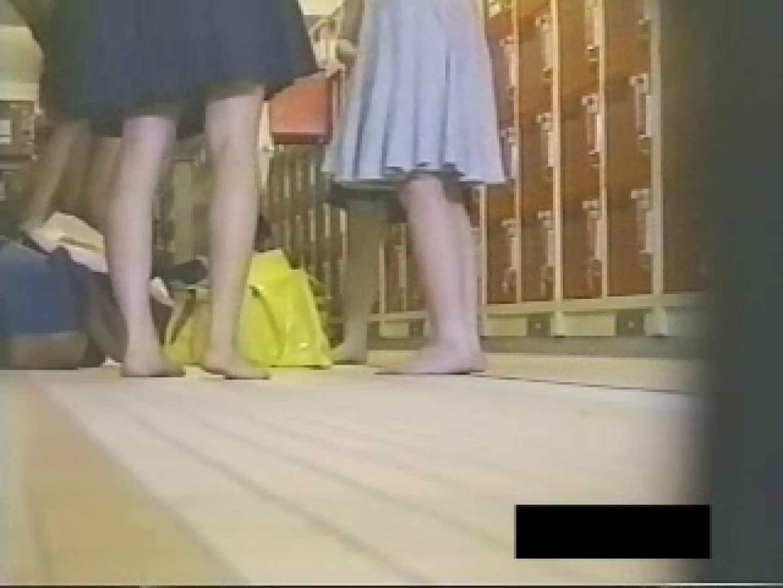ヤリマンのオマンコ:07キューティーメッセ女の子の肢体ムレムレプール&更衣室:のぞき本舗 中村屋