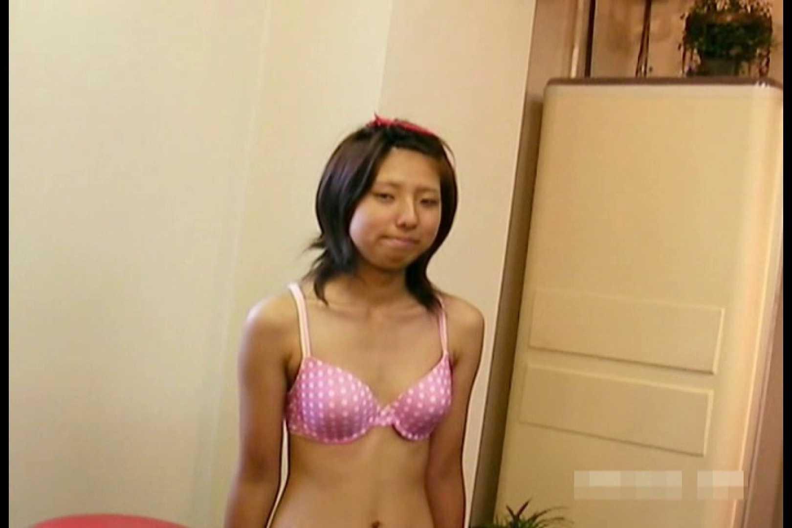 素人撮影 下着だけの撮影のはずが・・・エミちゃん18歳 丸見え AV動画キャプチャ 107pic 34