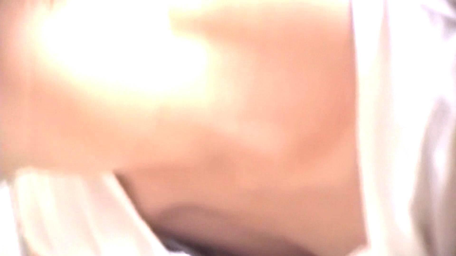 真剣に買い物中のgal達を上から下から狙います。vol.02 OLのエッチ 盗撮動画紹介 63pic 22