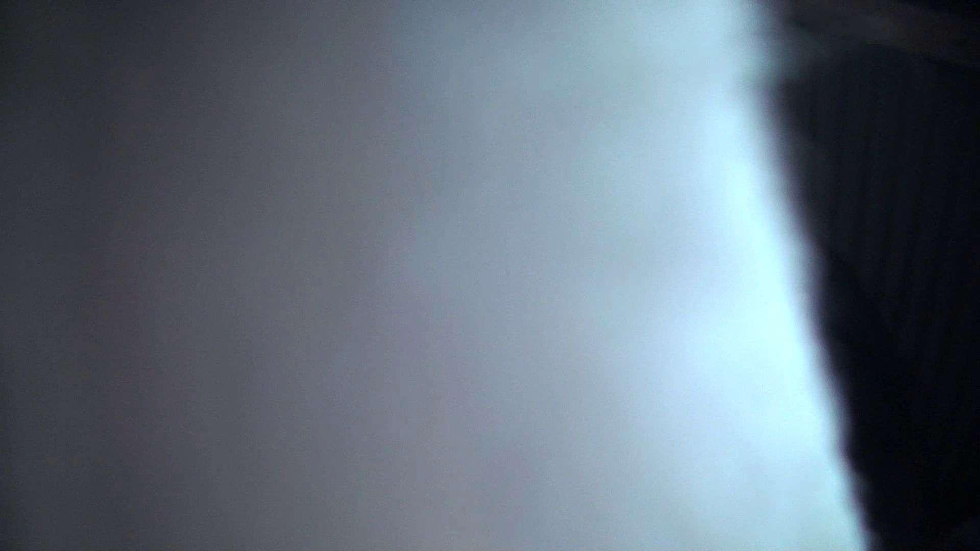 ヤリマンのオマンコ:シャワールームは超!!危険な香りVol.24 再登場 生理中の年齢不詳嬢:ピープフォックス(盗撮狐)
